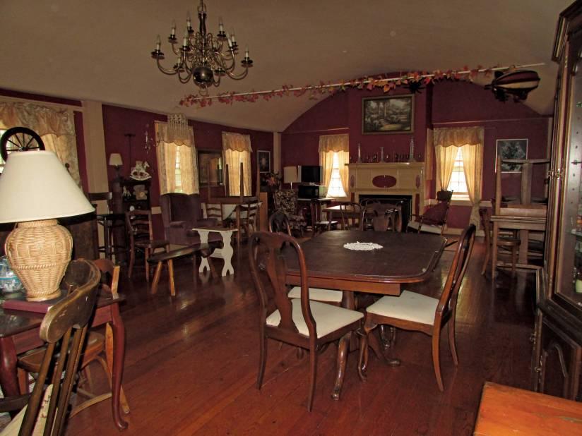 New Boston Inn